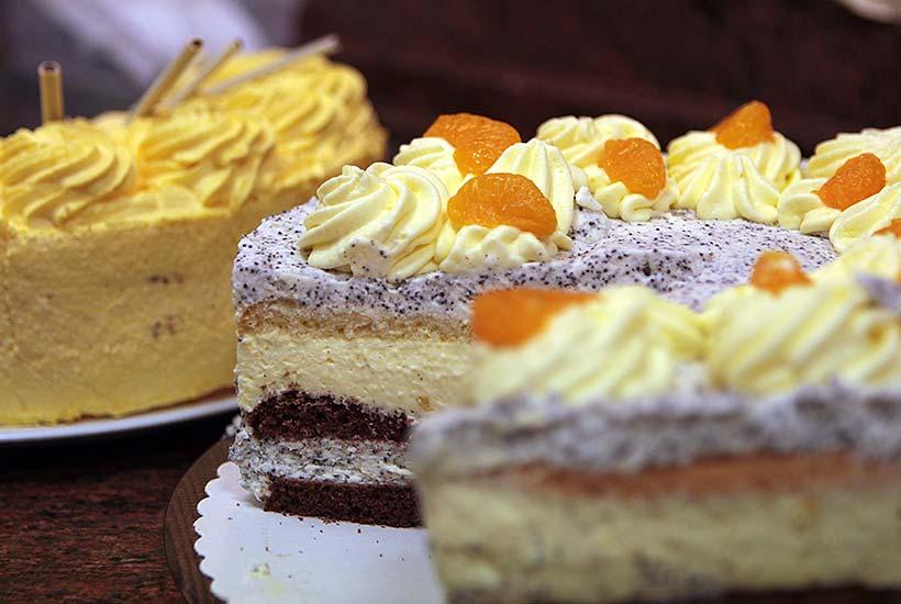 Gartencafé - Kuchen und Torten